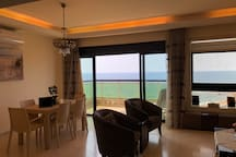 Panoramic Sunset Beachfront Apart * FREE WIFI *