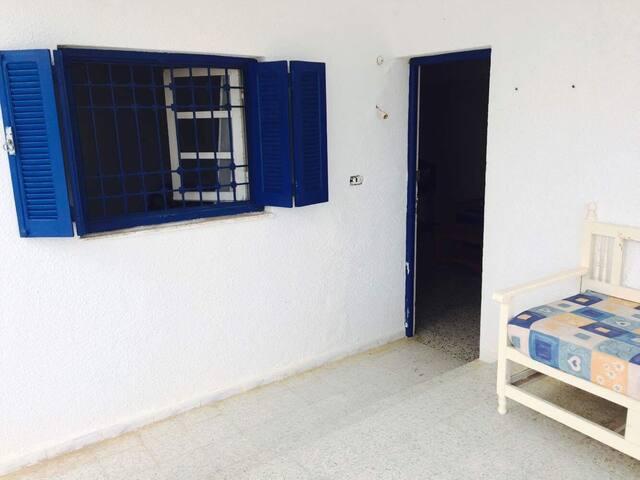 Maison à louer à 2 min de la plage à El Haouaria