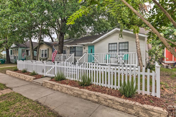 NEW! Gulfport Bungalow by Jones Park/Beach Access!