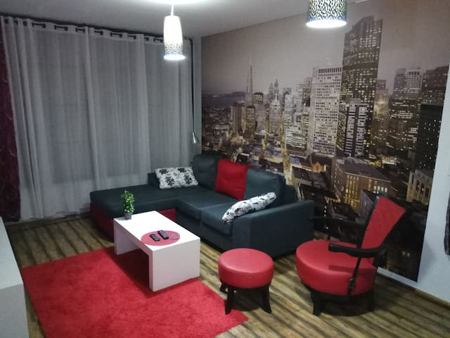 apart. with living room & bed room at the center - Petah Tikva - Apartamento