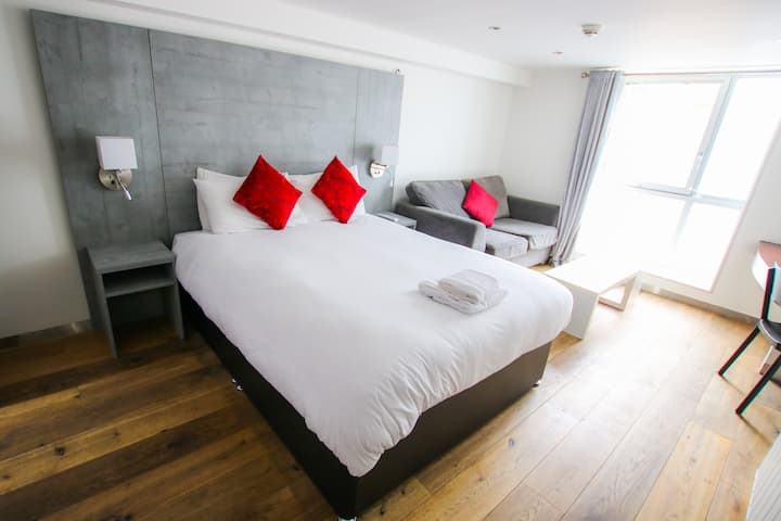 Spacious Triple Rooms in the Merchant City