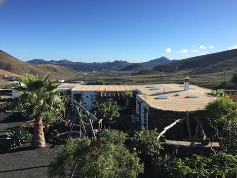 Artistic house with Timanfaya view