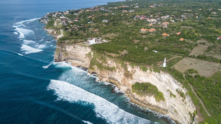 Lighthouse Lodge on Limestone Cliffs in Uluwatu #D