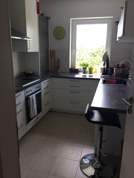 Well equipped kitchen with coffee mashine, dish washer, oven and many other things.