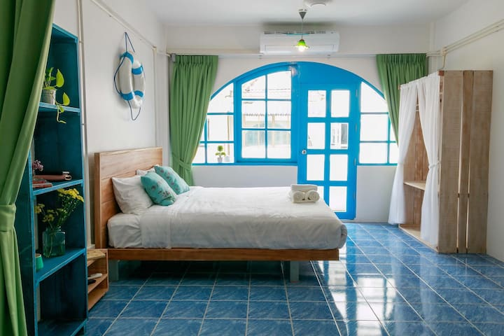 Cozy room in a heart of Patong! - Patong - Bed & Breakfast