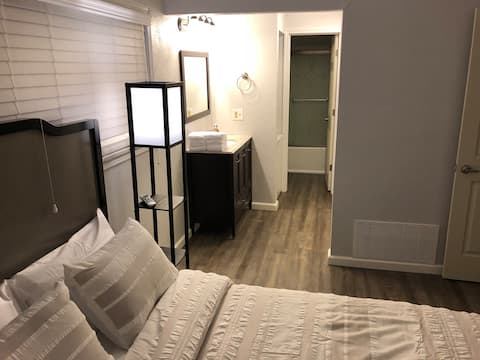 Entire Glen Carbon Condo ,Fully furnished All New