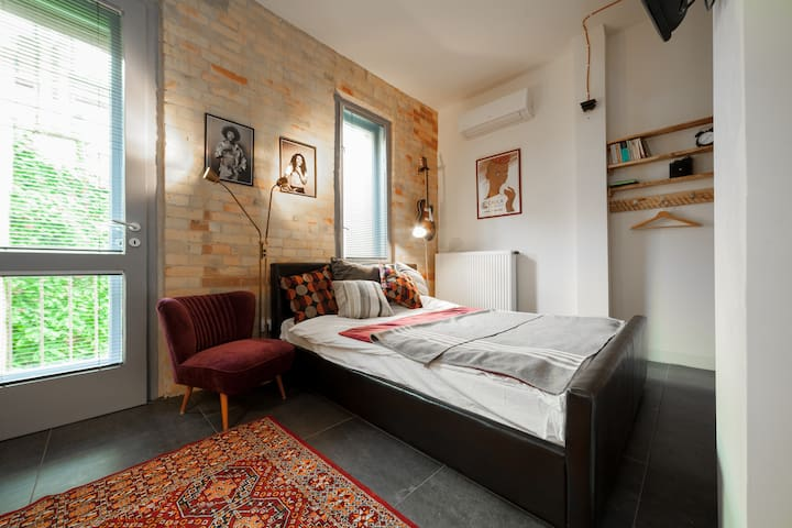 Loft Inspired Studio in Heart of Budapest