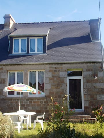 House with 2 bedrooms in Sourdeval, with enclosed garden and WiFi - 40 km from the beach