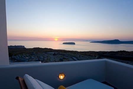 BLACKROCK VILLA Arkotiri Santorini