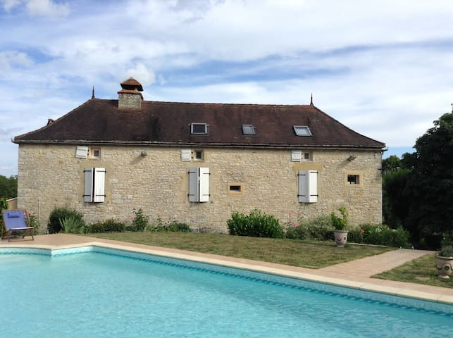 Ermitage saint Jacques - Gindou - Penzion (B&B)