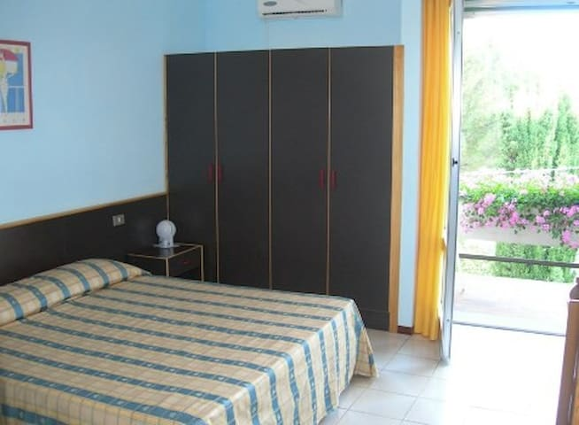 Hotel Primavera,Camera matrimoniale - San Filippo - Bed & Breakfast