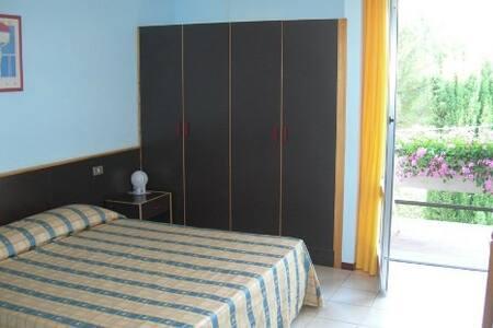 Hotel Primavera,Camera matrimoniale - San Filippo