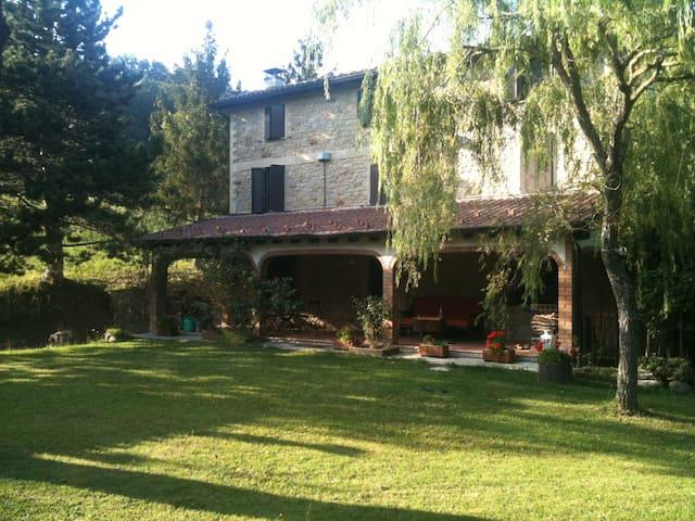TIZZANO VAL PARMA casa di campagna  - Tizzano Val Parma