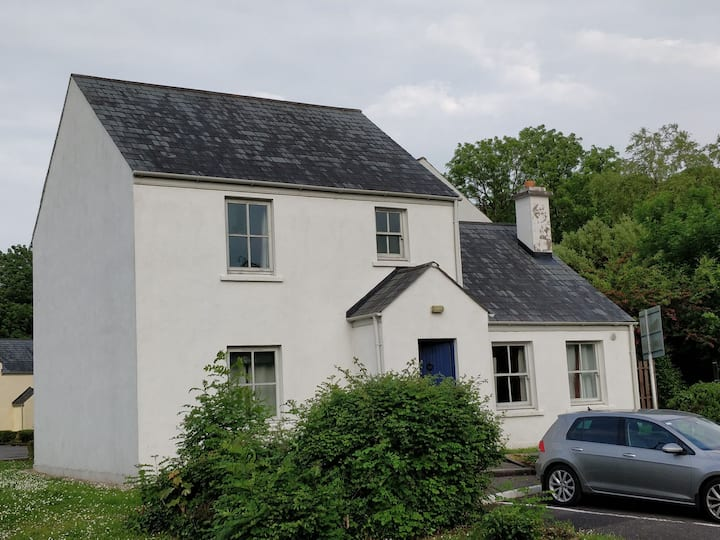 Cosy and elegant 4 bedroom house in Bunratty