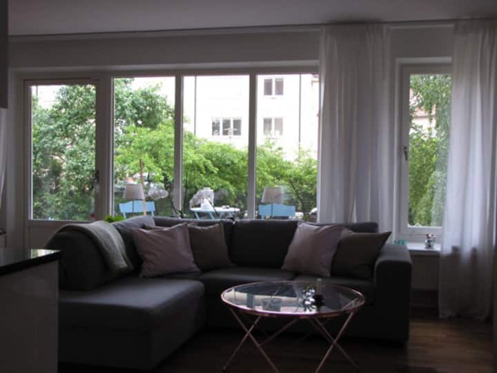 Light, cozy apartment 10 min from Stockholm City