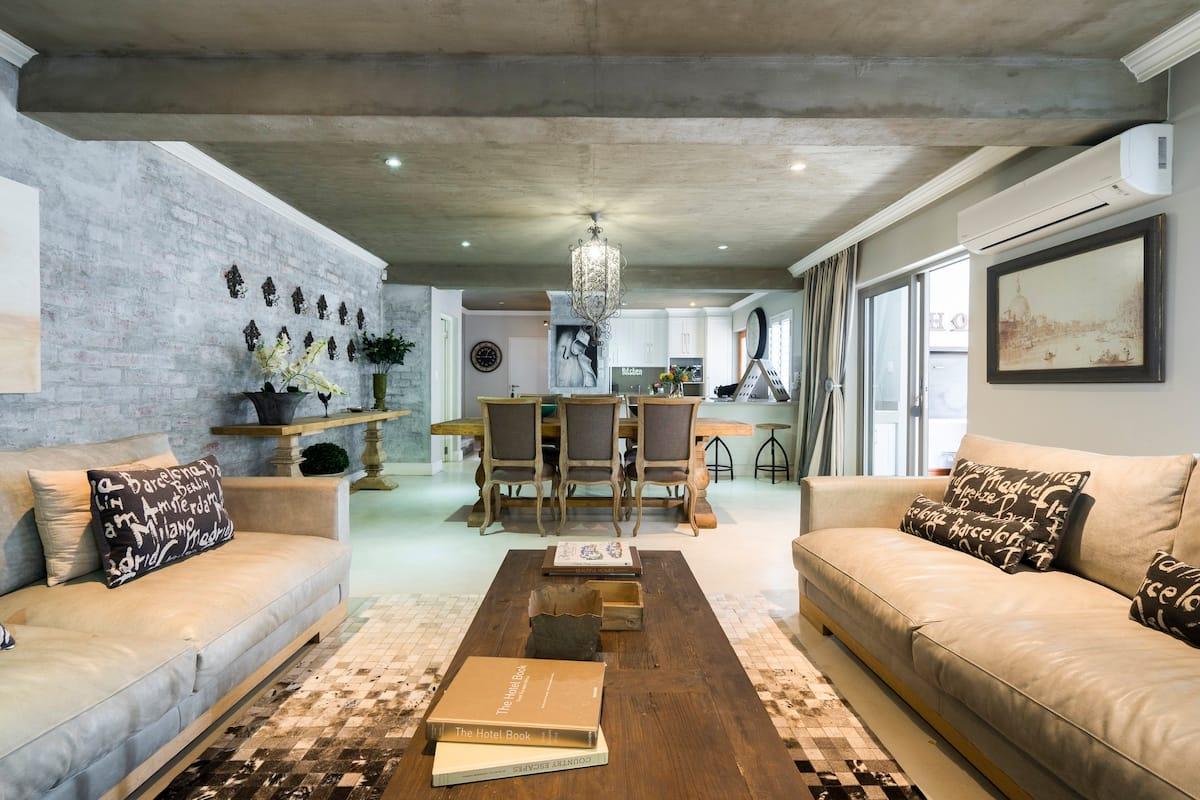 Spacious Three Bedroom Luxury Home in Central Stellenbosch