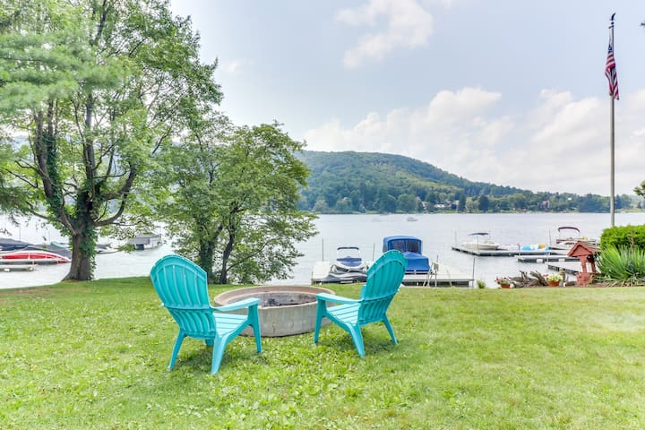 Lakefront home w/ dock, patio, firepit & lovely lake views - dogs welcome!