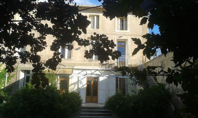 Appartement dans maison vignerone - Saint-Pargoire - Casa