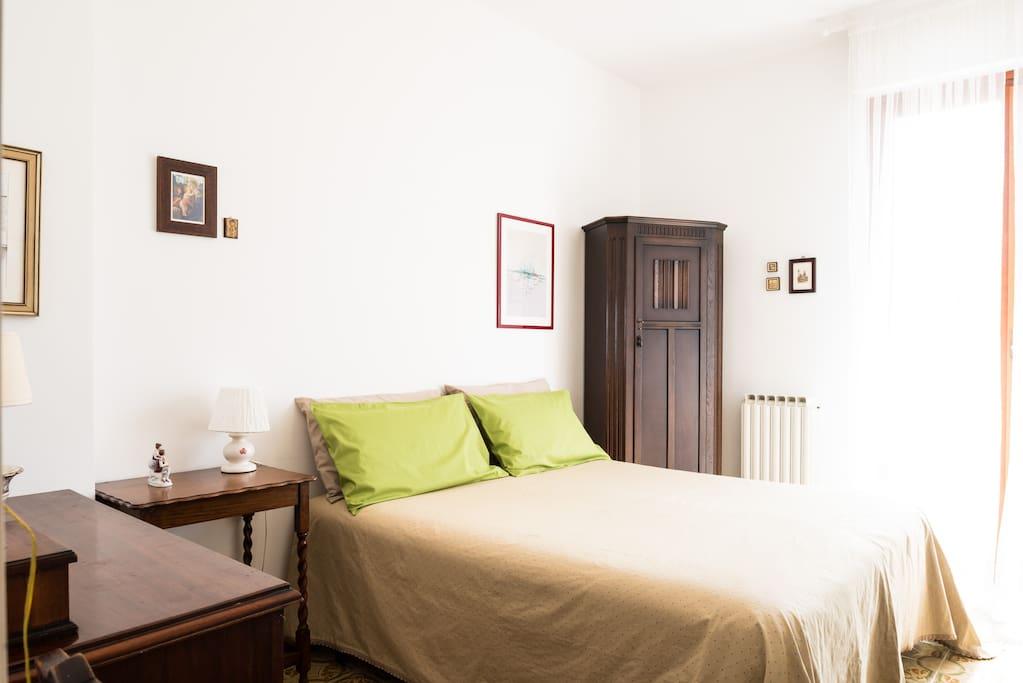 1^ camera con letto matrimoniale