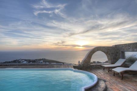 Sea View Villa with Pool in Mykonos - Tourlos