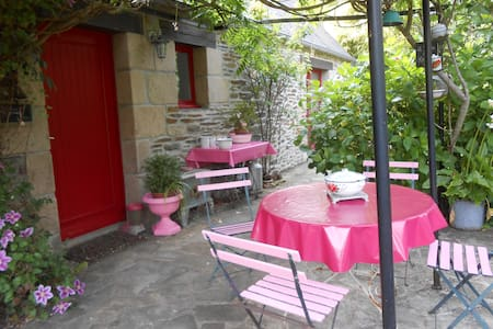 maison et jardin des roses - Plouégat-Guérand