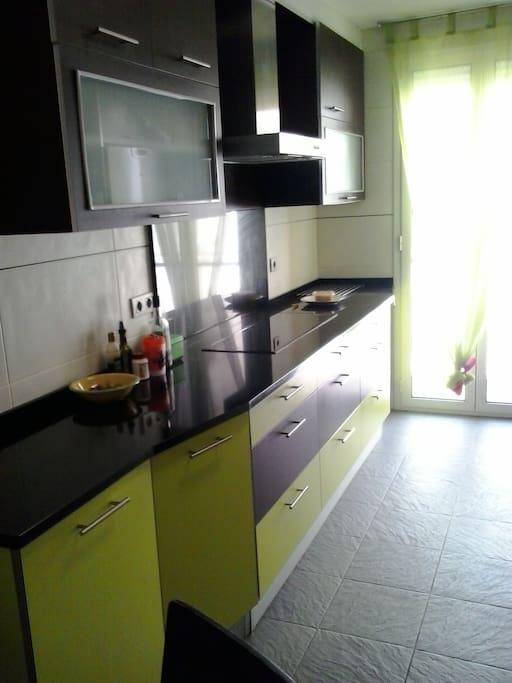 Se alquila piso en san fermin apartamentos en alquiler for Pisos en san fermin madrid