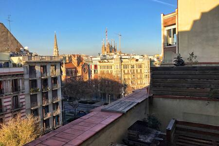 Beautiful terrace in Sagrada Famila - Barcelona