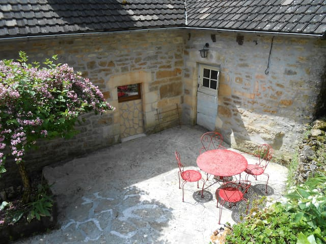 Renovated House in quiet area - Turenne
