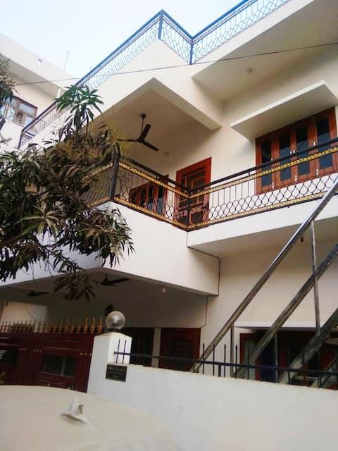 Gorakhpur Home with a terrace