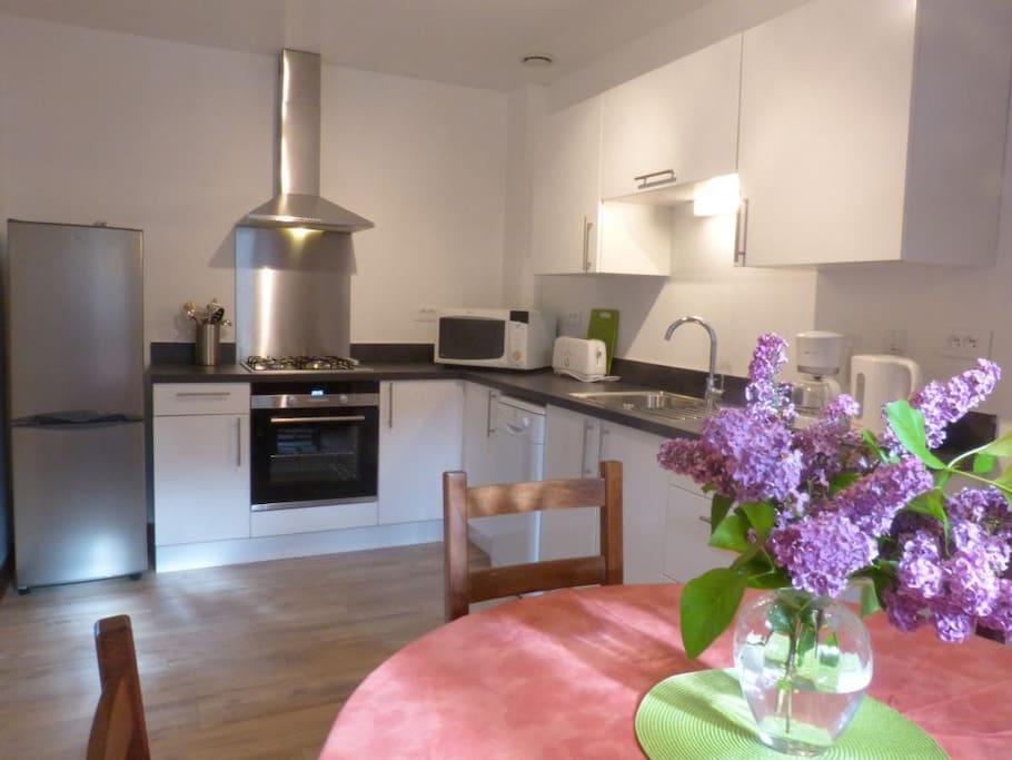 Modern Private kitchen/ Cuisine privé