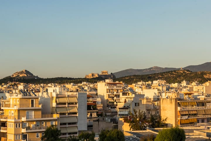 Near city center with amazing view.Athens panorama - Moschato - Daire