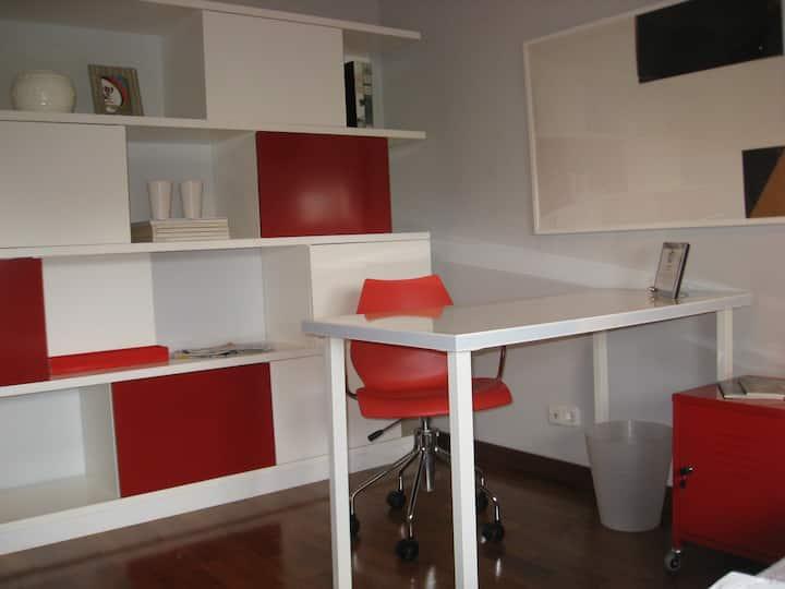 Cosy bedroom in Lisbon I