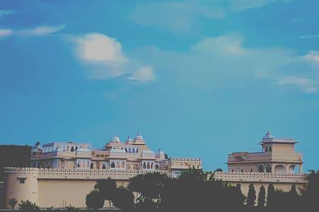 Prithvi Vilas, Mukundara, kota Room 1