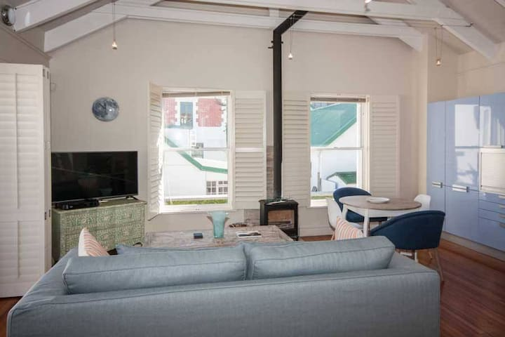 Stylish Kalk Bay Apartment - Cape Town - Apartment