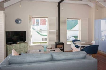 Stylish Kalk Bay Apartment - Cape Town