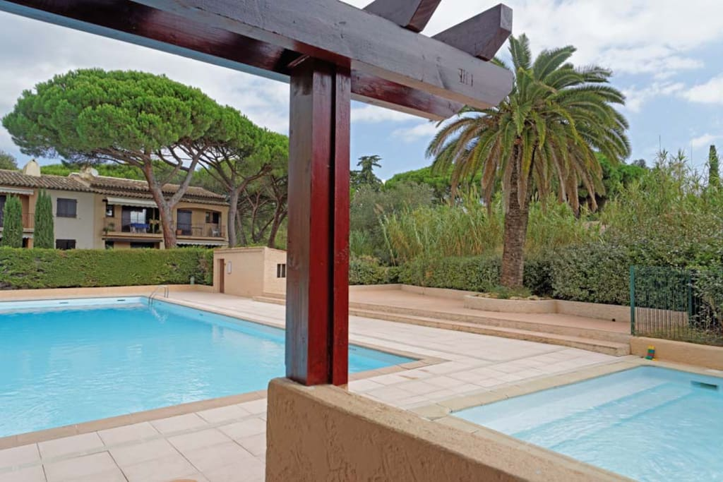 Appartement 75m2 avec piscine appartamenti in affitto a for Piscine roquebrune sur argens