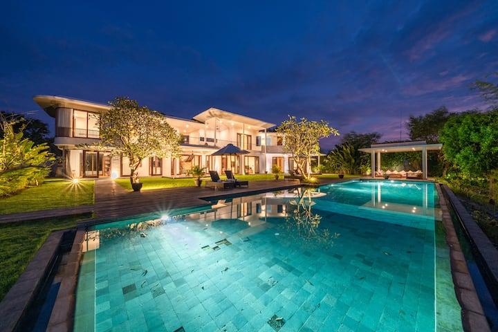 Amazing 4 bdr villa in Balangan w/ OCEAN VIEW!!!
