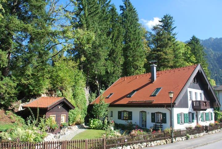 Luxury 3 br Apartment in Oberammergau