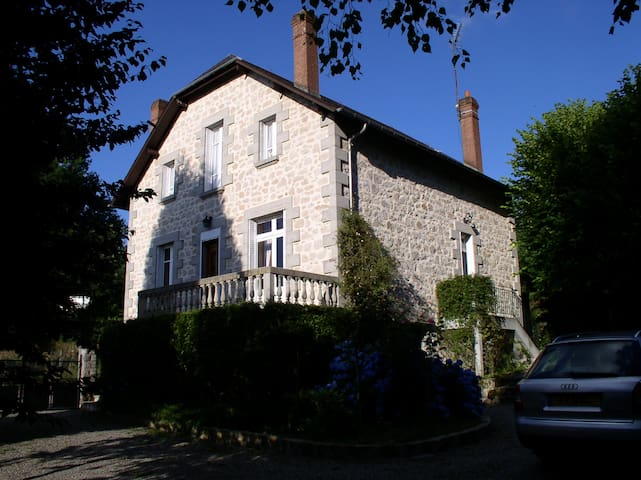 Beautiful Limousin House With Pool