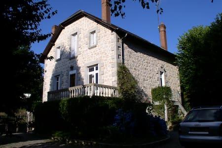 Beautiful Limousin House With Pool - Peyrat-le-Château