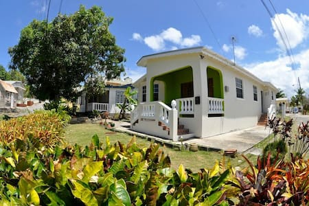 Light and airy open plan villa - Paynes Bay