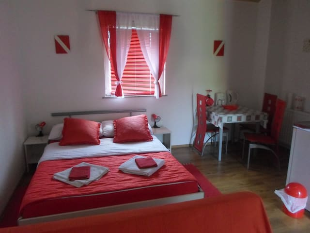 House Petra, Studio Apartment - Rakovica