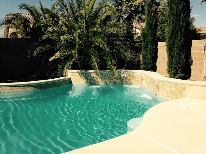 Las Vegas 6 bedrooms 5 baths  Pool Close to Strip
