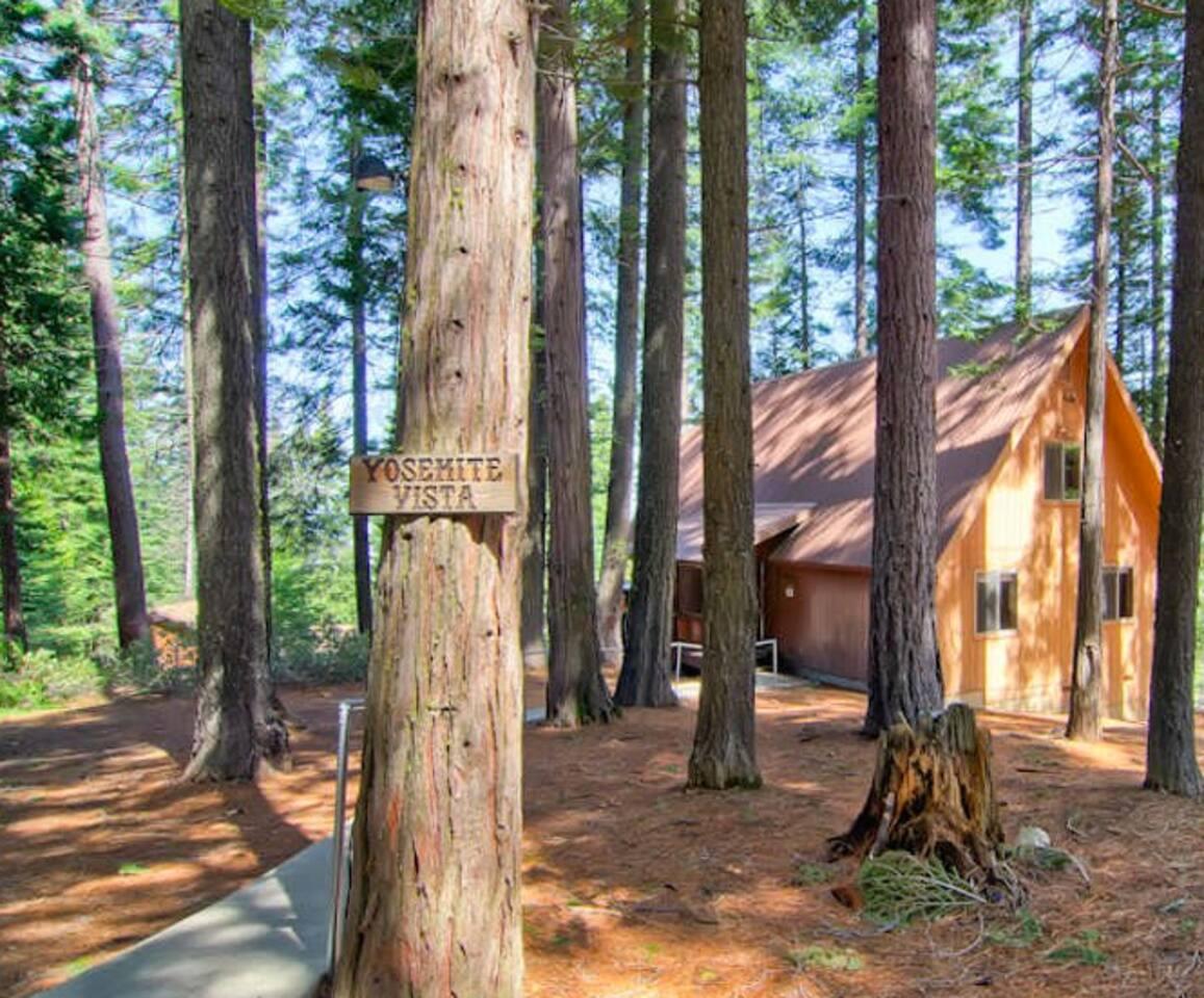 Yosemite Vista Centrally located in Yosemite Park, in an area called Yosemite West!