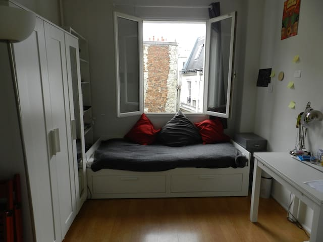 Lovely student room by Sacré-Coeur