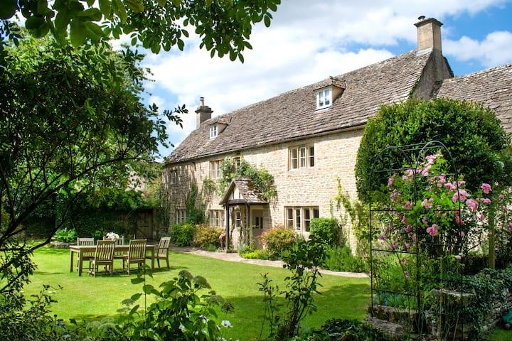 Woodmancote Manor Farmhouse