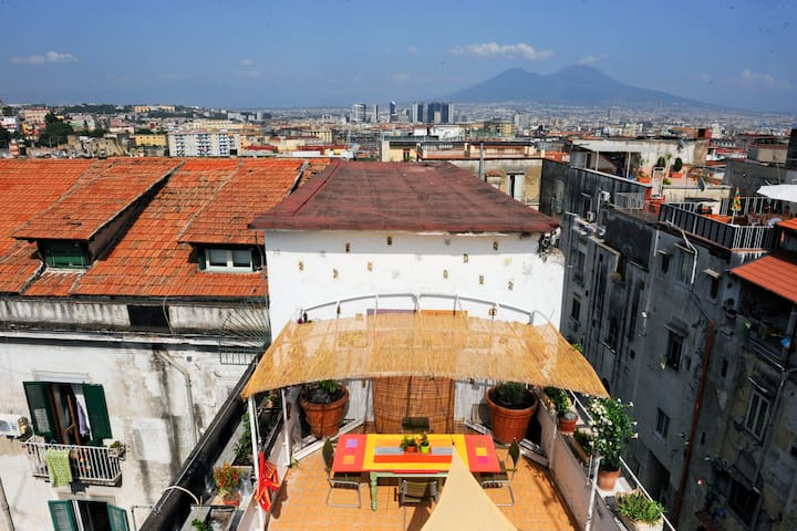 1room | Cool Attic just steps from heart of Naples