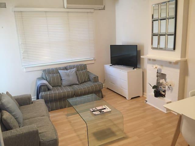 North Sydney/Kirribilli, Super convenient