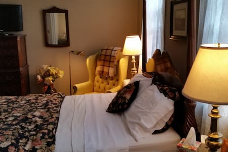Withington Room, Clifford House B&B - Cleveland