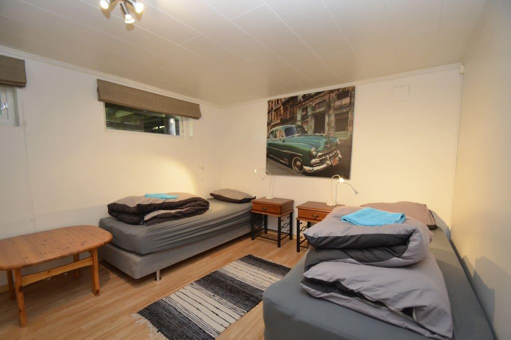 Double bedroom 2/2